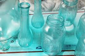 Krylon Transparent Spray Paint - how to achieve a stained glass look on mason jars and glass