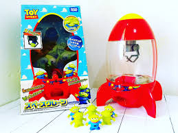unboxing toy story pizza planet alien space crane takara tomy