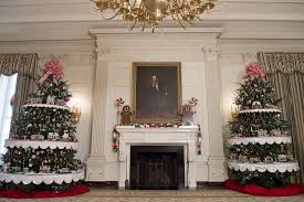 Holiday Decorations White House Holiday Decorations 2016 Michelle Obama U0027s Office