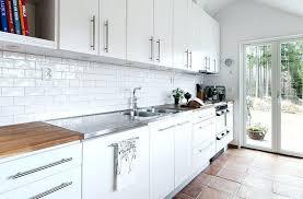 poser credence cuisine carrelage mural metro blanc cool carrelage with carrelage mural