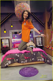 icarly bedroom decorating ideas crowdbuild for