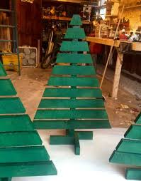 christmas tree pallet make a christmas tree from wooden pallets hgtv gardens project