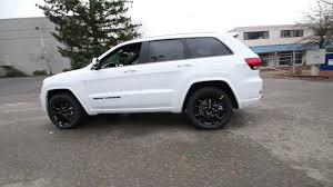 jeep cherokee white 2017 jeep grand cherokee altitude bright white clearcoat
