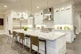 cuisine luxueuse conception blanche de cuisine dans la nouvelle maison luxueuse