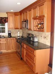 pictures of maple kitchen cabinets glazed maple kitchen cabinets kitchen cabinet value