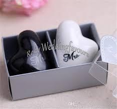 wedding salt and pepper shakers mr mrs heart ceramic salt pepper shakers wedding favors