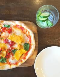 eating out when vegan zizzi italian vegan pizza