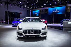 maserati melbourne maserati delivers its 100 000th car a 2017 quattroporte gransport