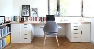 bureau dans placard ikea planche bureau placard massif bureau mee la ikea plateau bureau