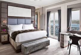 hotel geneve dans la chambre ève the ritz carlton hotel de la paix ouvre ses portes