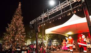 clayton tree lighting 2017 broadway plaza parade of lights tree lighting your town monthly