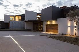 house boz architecture style