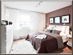 Schlafzimmer Einrichten Landhausstil Gemütliche Innenarchitektur Längliches Schlafzimmer Gestalten