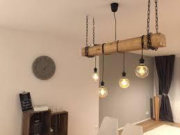 Coole Wohnzimmerlampe Selfmade Rustikale Lampe Mit Hängenden Glühbirnen Und Holzbalken
