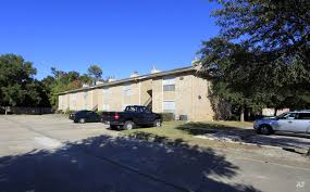oakwood village apartments orange tx apartment finder