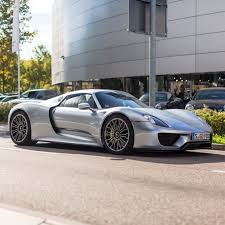 porsche 918 crash porsche 918 spider painted in sliver photo taken by