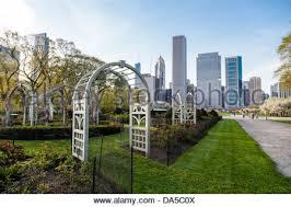 gardens chicago illinois grant park flower gardens city skyline