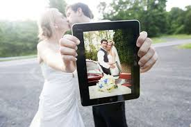 Wedding Albums For Photographers Wedding Photographers Get Grooms Excited By Bundling Ipad With Albums