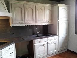 repeindre sa cuisine en blanc cuisine ancienne repeinte en blanc avec repeindre cuisine bois great