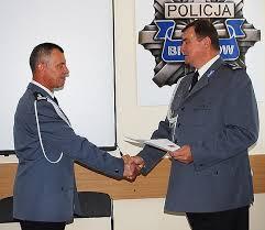 Ryszard Kornaga w Policji służy od 27 lat. Przez te lata pracował kolejno w Wydziale Operacyjno-Dochodzeniowym Komendy Powiatowej Policji w Lubaczowie, ... - zd20