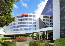 novotel melbourne glen waverley accorhotels at 220 m ibis melbourne glen waverley