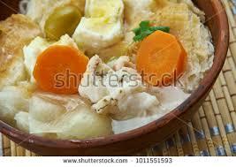 cuisiniste au portugal portuguese cuisine acorda de bacalhau portugal stock photo