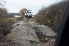 Porsche Cayenne Jacking Mode - porsche cayenne off road see how well it works pictures u0026 video