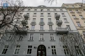 elegant two bedroom apartment in a beautiful renovated prewar