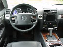 volkswagen touareg 2004 file vw touareg i v6 tdi black magic interieur jpg wikimedia commons
