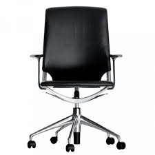 chaise de bureau vitra vitra meda chair chaise de bureau vitra ambientedirect com