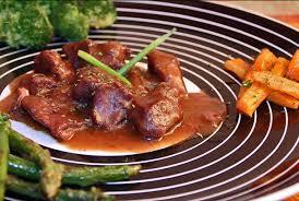 cuisiner du marcassin le gibier d ardenne civet de marcassin sauce grand veneur