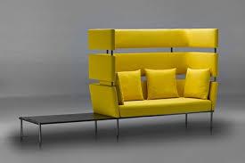 canapé jaune moutarde meubles design canapé jaune moutarde table basse intégrée le