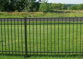 fence types wood aluminum pvc chainlink commercial