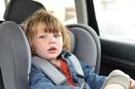quel age sans siege auto l enfant en voiture quel âge pour un rehausseur ou un siège auto