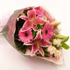 sending flowers online portugal flower delivery petals worldwide florist network