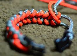 paracord bracelet styles images How to make a paracord bracelet step by step instructions jpg