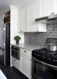 fliesen küche wand fliesenspiegel küche kochfeld küchenfliesen wand küchen