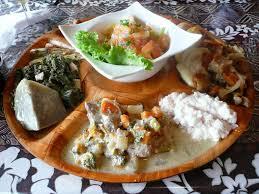 cuisine tahitienne traditionnelle met traditionnel tahitien poisson cru taro tahiti iles de la