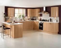 cuisine hetre clair cuisine moderne en bois hêtre urbantrott com