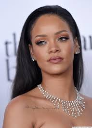 Bob Frisuren Rihanna by Rihanna Debuts Chic Blunt Bob On The Degeneres