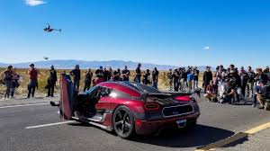 koenigsegg agera rs koenigsegg agera rs destroys bugatti world speed record youtube