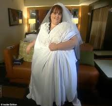 wedding dresses for larger is this the world s wedding gown an 800lb to be has