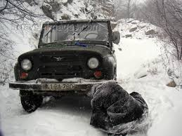 Off Road Tire Chains Azerbaijan Outside Quba Snow Chains Being Put On A Uaz Jeep