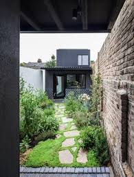 Home Courtyards 10 Homes With Large Well Ventilated Courtyards Dwell