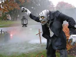 halloween figurine 29 halloween decorations that will scare your neighbours