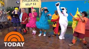 360 view of today u0027s u0027peanuts u0027 halloween costume reveal today