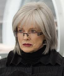hairstyles for women over 60 with glasses glass hair style and