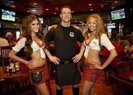 5 nasty realities of work in a hooters style breastaurant