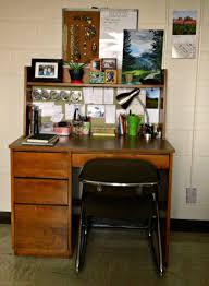 Dorm Room Shelves by Dorm Room Update Desk Area And Wall Decorations U2013 The Oke Den