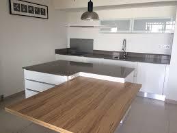 plan de cuisine en quartz plan de travail quartz gris avec plan travail cuisine quartz